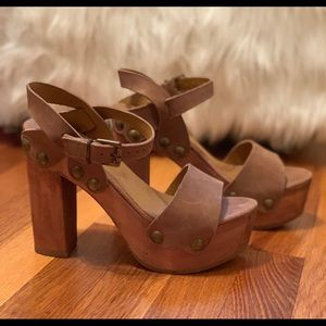 Summer sandals! Wooden heels with ankle strap